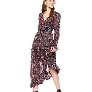 C/MEO COLLECTIVE Black Floral Asymmetrical Dress